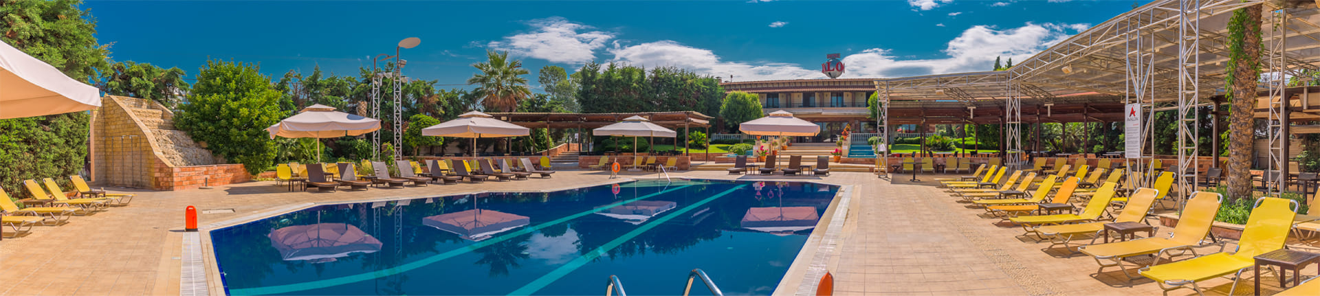 hotel-home-footer-pool1