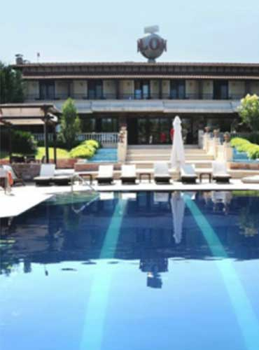 avalon-hotel-pool